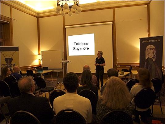 Cecilia Svensson föreläser på ljudboksreleasen